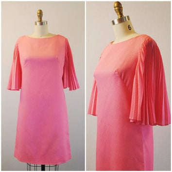 1970's Pink crepe butterfly sleeves shift- Cocktail bubblegum pleated dress- Party dress- Small