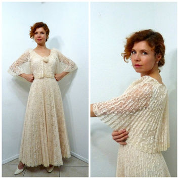 Lace Dress Accordion Pleated Blush Peach Chantilly Lace Cape Wedding Bridal gown Vintage 60s S