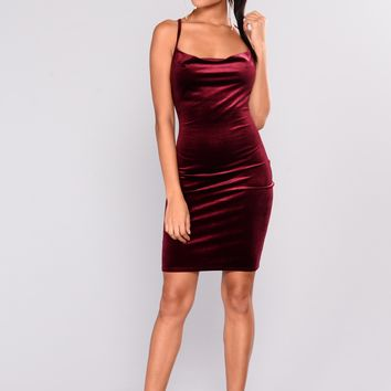Keelin Velvet Dress - Burgundy