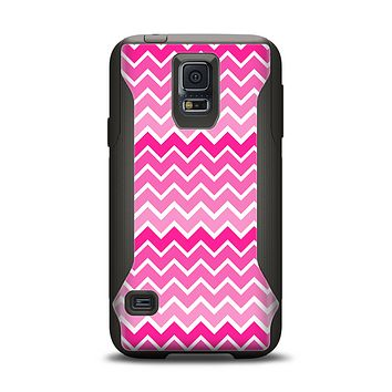 The Pink & White Ombre Chevron V2 Pattern Samsung Galaxy S5 Otterbox Commuter Case Skin Set