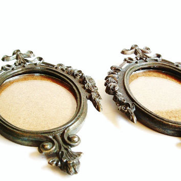 Vintage Pair Victorian Frames Metal Italy Decorative Glass Oval