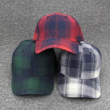 Trendy Winter Jacket Brand Plaid Fabric Snapback Caps Men Women Couple Baseball Cap Spring Summer Vintage Cotton Bone Classic Color Hats Hip-Hop Hats AT_92_12