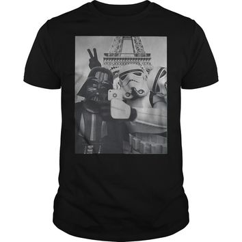 Stormtrooper and Darth Vader Star Wars selfie in Paris Eiffel tower shirt Premium Fitted Guys Tee