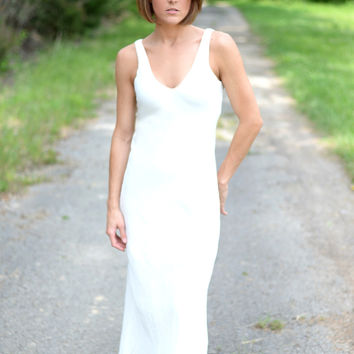 Love is in the Air Linen Maxi Dress