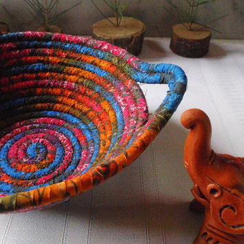 Road to Bali Coiled Basket by YellowViolet on Etsy