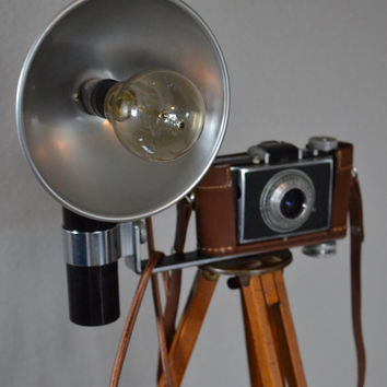 Antique Eastman Kodak Flexo Tripod Model C Kodak Flash Bantam Camera Lamp Light