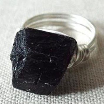 Black Tourmaline Ring - Black Stone Ring - Gothic Ring - Wire Wrapped Ring - Shiny Black Ring - Chunky Ring - Unique Ring - Raw Stone Ring