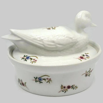 BIA International Bakeware Cordon Blue Margot Pattern Nesting Duck Covered Casserole