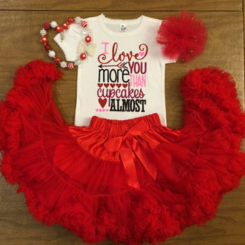 Girls Valentines Day Outfits, Valentine's outfits for girls, Red Pettiskirt Valentine Outfit, Valentine Outfit ,red pettiskirt