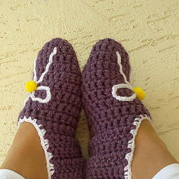 Crochet womens slippers, home shoes for ladies, mary jane slippers, purple, white, yellow pompom, gift for her, Valentines day gift
