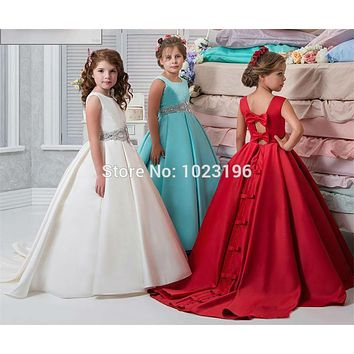Ivory Flower Girl Dresses Satin Ball Gown Sash Crystals Beads Girs Pageant Dress For Wedding Back Bow Sexy Back Kids Party Dress