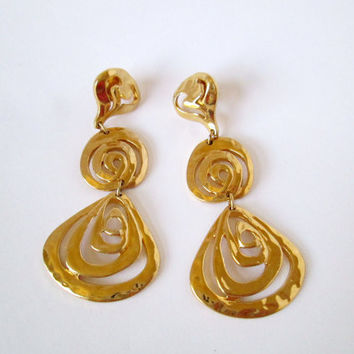 Vintage Gold 3 Inch Long Dangle Spiral Shaped Pierced Earrings Retro Mod Cool Hip Great Looking Highly Fashionable Very Good Condition Nice