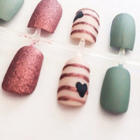 Matte Fake Nails Green Acrylic Nails Heart False Nails