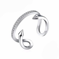Double Arrow Tail Ring