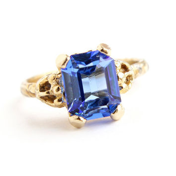 Vintage Blue Glass Stone Ring -  Adjustable Gold Tone Rectangular Rhinestone Costume Jewelry / Sapphire Blue Stone
