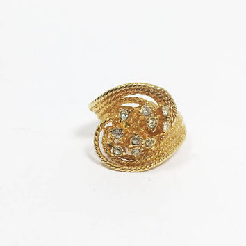 Rhinestone Cluster Dinner Ring, Vintage Size 5-3/4 US Gold Tone Clear Crystal Rhinestones in Swirling Rope Costume Jewelry