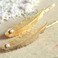 Bobby pins feathers and pearls Set of 2 shabby chic by iloniti