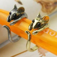 Vintage Adjustable Chic Little Mouse Ring at Fshion Costume Jewelry Online Store Gofavor