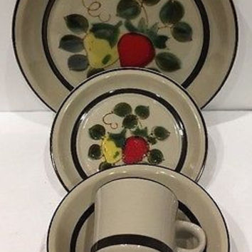Vintage Strawberries by Sears 5 Pc. Place Setting Stoneware Brown Verge Japan
