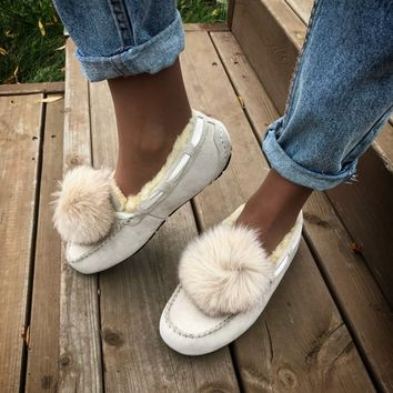 UGG Fluffy ball buns shoes