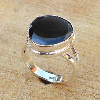 Black Onyx Ring - Unisex Ring, Fine Silver Jewelry, Solid Silver Ring, Sterling Silver Ring, Bezel Ring,Genuine Ring, Gemstone Ring