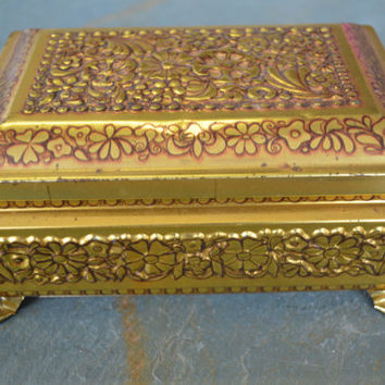 Fricke and Nacke, Design by Mavis, Metal/Tin box, Gold, Made in Western-Germany.