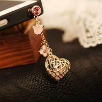 GogoMall High Quality Rhinestone Heart and Pink Flower Dust Proof Plugy Dust Plug 3.5 mm Headphone Jack Plug for iPhone Samsung Blackberry iPad HTC