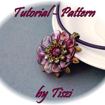 Beading pattern/Tutorial of beaded pendant Urzula by Tiszi, pattern with petals-daggers-swarovski flowers, PDF instructions, Step by step