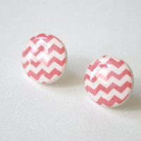 Zig-Zag Patterned Post Earrings in Cranberry