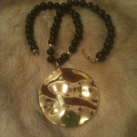 PIERRE CARDIN Onyx Bead Gold Shiny Disk Pendant Necklace