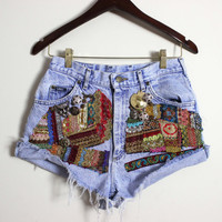 Vintage Lee High Waist Jeans shorts/ Embroidered Vintage Lee frayed shorts / Boho Hippie Festival embroidered shorts/ 27W