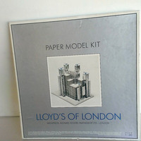 Vintage Paper Model Kit Of The  Lloyds Of London Building 1986 In Original Box Never Assembled Box Scale 1 : 250  Has Some General Wear