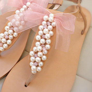 Summer wedding sandals -Pearl sandals -Bridesmaids sandals - Bridal party sandals- Pink pearls sandals -Pearls Bow decoreted sandals