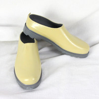 Mid West size 10 Rubber Clogs Yellow Outdoor Slip on Shoes Womens Rain Gear