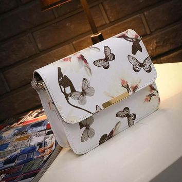 Women Floral Leather Shoulder Bag Satchel Handbag Retro Messenger Bag Famous Designer Clutch Black White Crossbody Bags Bolsa