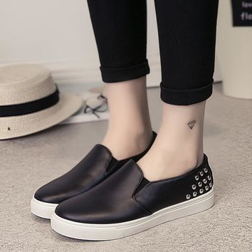 2017 rivets loafers women flats shoes casual slip on flat shoes woman spring vintage black white moccasins women creepers