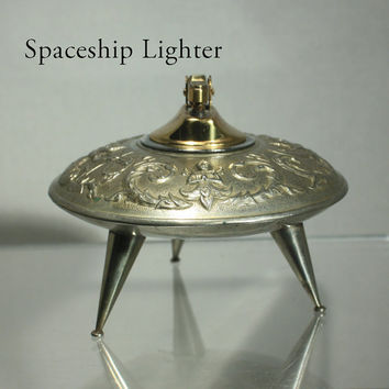 Retro Spaceship Tabletop Lighter Silvertone Thailand Elephant