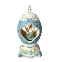 VINTAGE Sankyo Music Box Ceramic Egg Shape with Pair of Swans Inside, Wind Up Music Box Plays Swan Lake Song