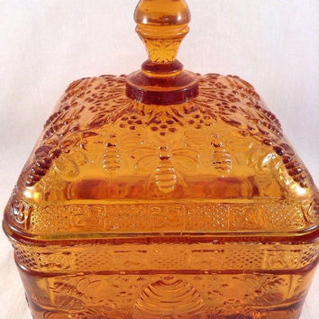 Indiana Tiara Amber Honey Colored Bees to the Honey Hive Glass Dish with Lid