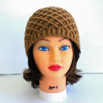 Brown Crochet Hat, beautiful winter accessory for woman ir girl, cute beanie made in unique pattern.