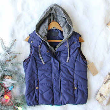 Forest Smoke Hooded Vest in Navy