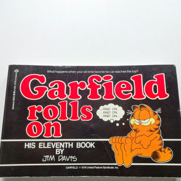 Vintage Garfield Rolls On Comic Strip Book 1985