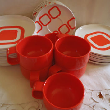 Melamine Dinnerware Set Orange And Atomic Style from Italy , Plates Mugs Saucers and Bowls in Orange Melamine