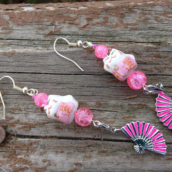 Asian cat fan earrings - Lucky cat earrings - Valentine's Day Gifts - Gifts for her - pink and white earrings - Asian jewelry - cat jewelry