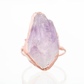 Vertical Raw Amethyst Ring, Rose Gold Rough Gemstone Ring, Raw Crystal Ring, Raw February Birthstone, Gold Gemstone Ring Unique Gift for Her