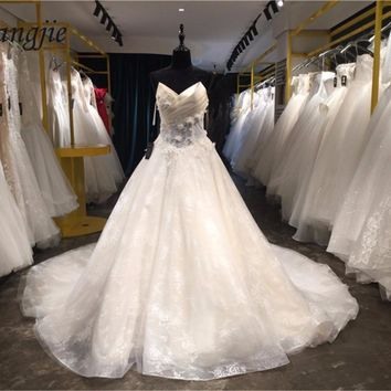 A-line Lace Wedding Dresses With Court Train 2018 V-Neck Sleeveless Lace Up Top Satin and Applique Bridal Gowns Vestido De Noiva