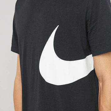 Nike Oversize Swoosh Black Tee - Urban Outfitters