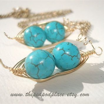 Set of 2 - Two peas in a pod Bridesmaids Necklaces -  Customize your colors