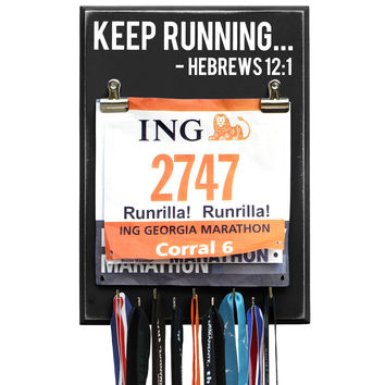 KEEP RUNNING - HEBREWS 12:1 - Medal Bib Holder