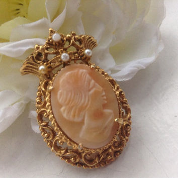 Florenza Cameo Brooch Pendant Carved Natural Shell Faux Pearls Victorian Antique Bridal Wedding Romantic Mother's Day gift signed gold tone